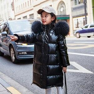 Image 2 - Rusya Snowsuit 2020 çocuk kış aşağı ceket kızlar için giysi su geçirmez açık kapüşonlu ceket çocuklar parka gerçek kürk giyim