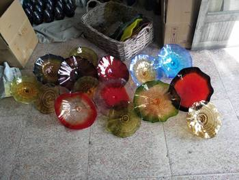 100% Hand Blown Murano Glass Hanging Plates Wall Art Modern Style Borosilicate Glass Art Hand Blown Multi color Flower Plate фото
