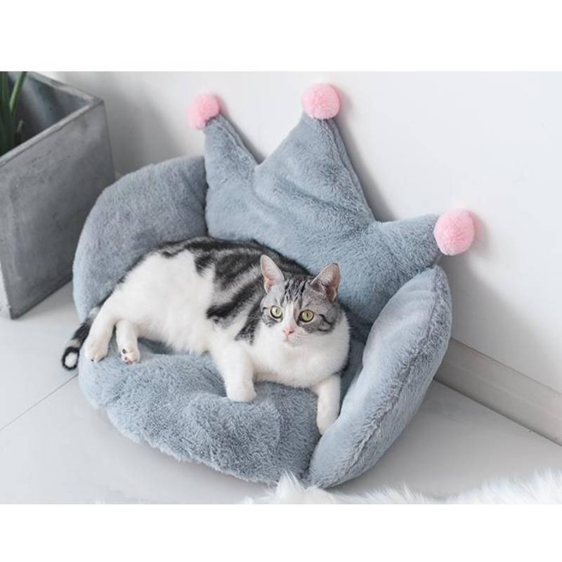 Mengmengda Meow Winter Warm Bed Sofa Chair Back Rest Solid Color Crown Shaped Pet Plush Pillow Stuffed Seat Cushion