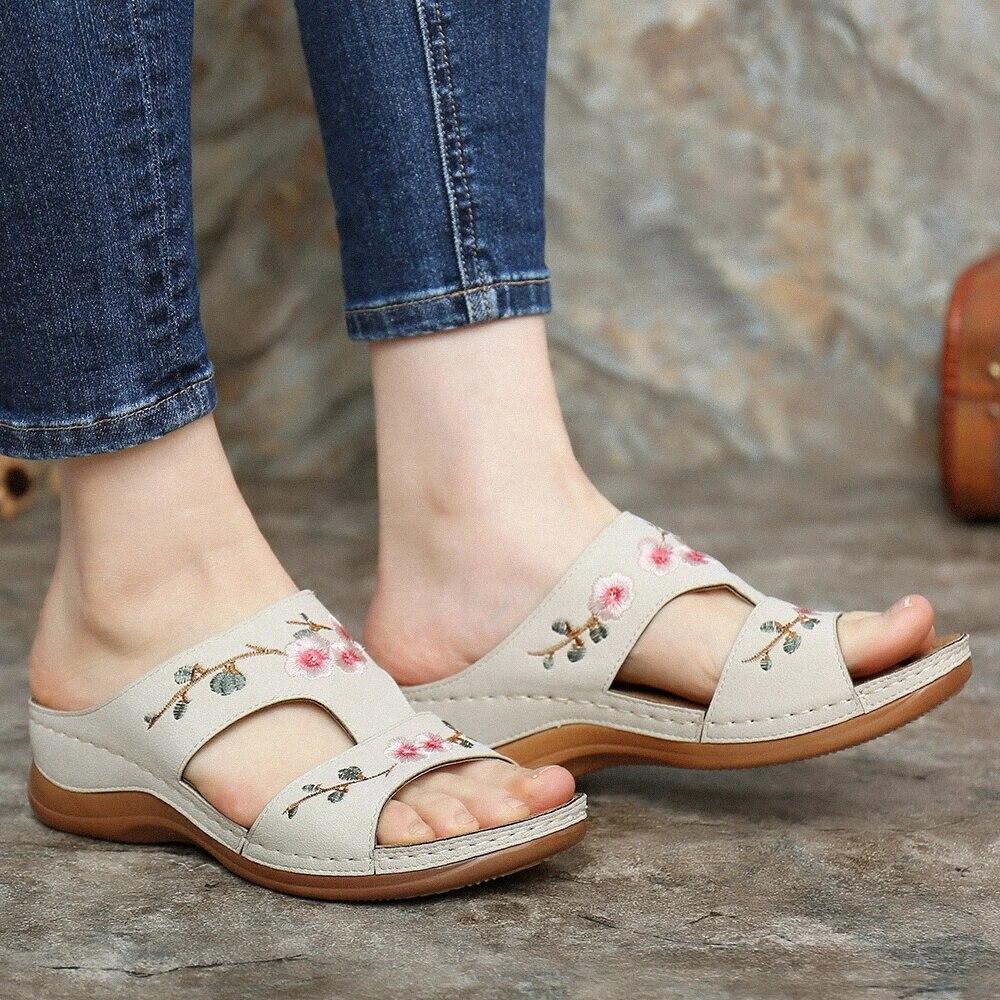 Сандалии женские цветные на платформе, этническая удобная обувь на плоской подошве, модные босоножки с цветами, лето 2021