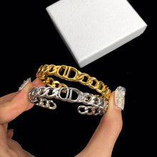 2021 new European and American high-end gold fashion letter D1:1 personality charm ladies bracelet holiday gift free shipping