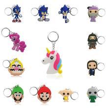 100 sztuk Cartoon rysunek breloczek pcv klucz Anime breloczek na klucze zabawka dla dzieci brelok do kluczy z ozdobą świąteczny prezent