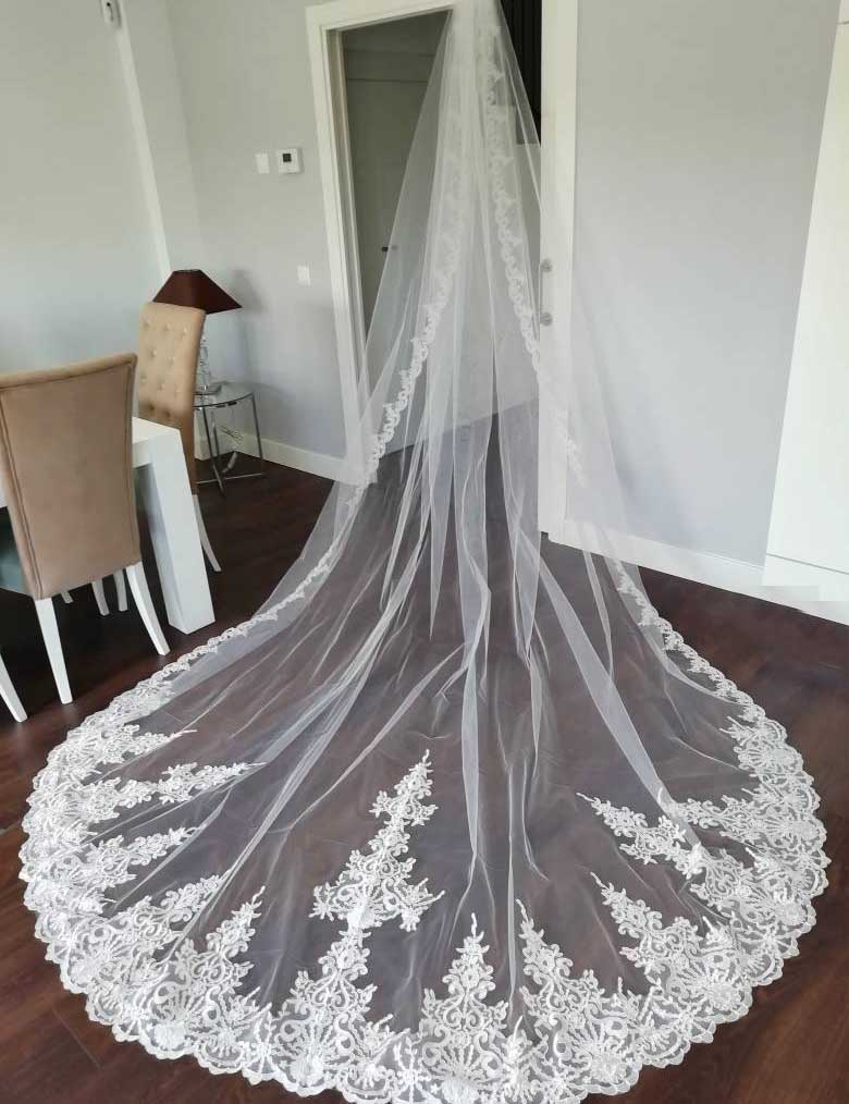 High Quality Neat Lace Long 4 Meters Wedding Veil With Comb 400cm One Layer Bridal Veil Bride Accessories Voile Mariage
