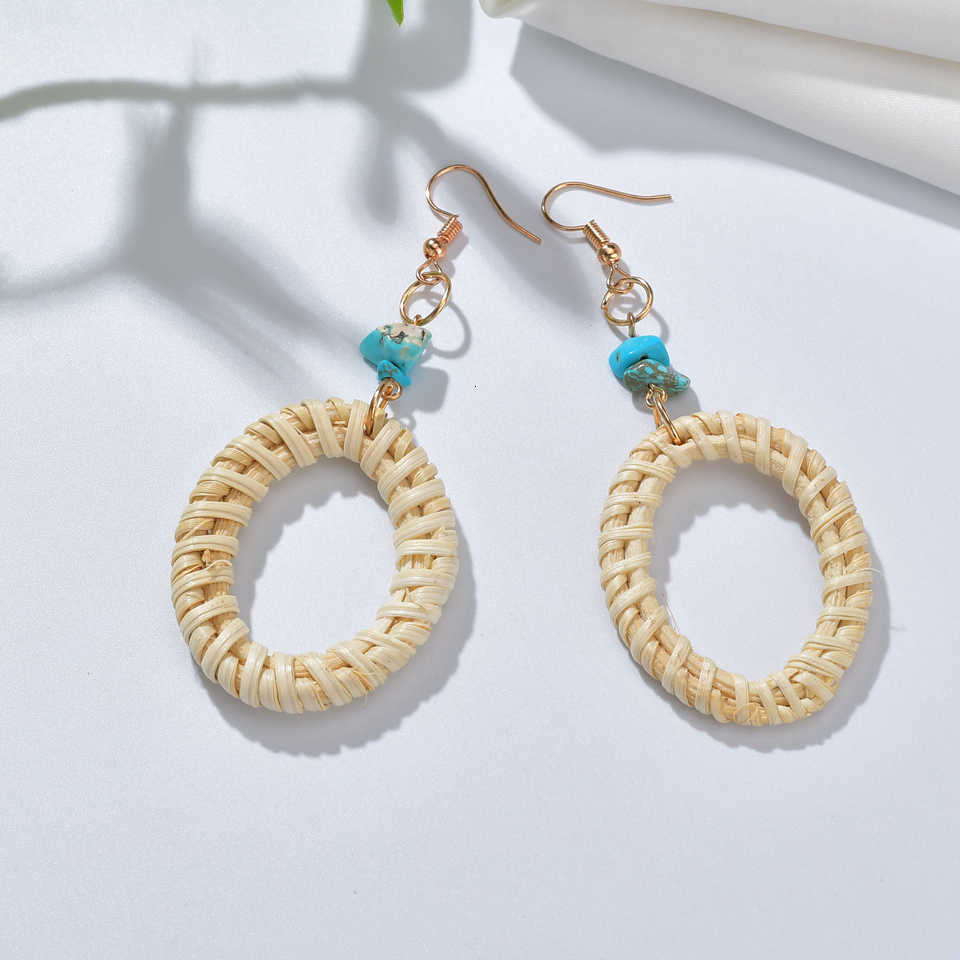 ผู้หญิงใหม่ต่างหู Charm สแควร์ Handmade สานหวายธรรมชาติ Shell จี้ต่างหูแฟชั่นต่างหูทองสำหรับ Beach Party
