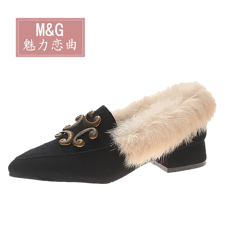 Mao Mao shoes women 2018 new autumn net red student fairy Doudou shoes Korean version of Joker low heel pointed boots 78