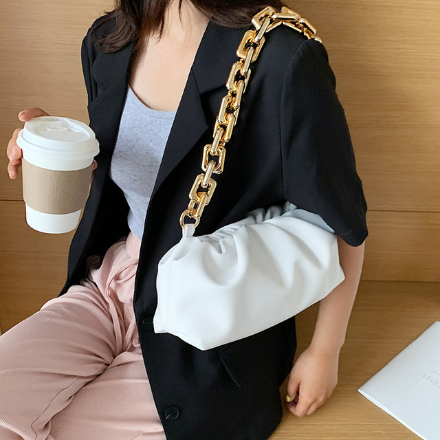 Luxury Thick Gold Chains Cloud Bags for Women 2021 Fashion Soft Leather Women's Designer Handbags Trend Crossbody Shoulder Bag 4