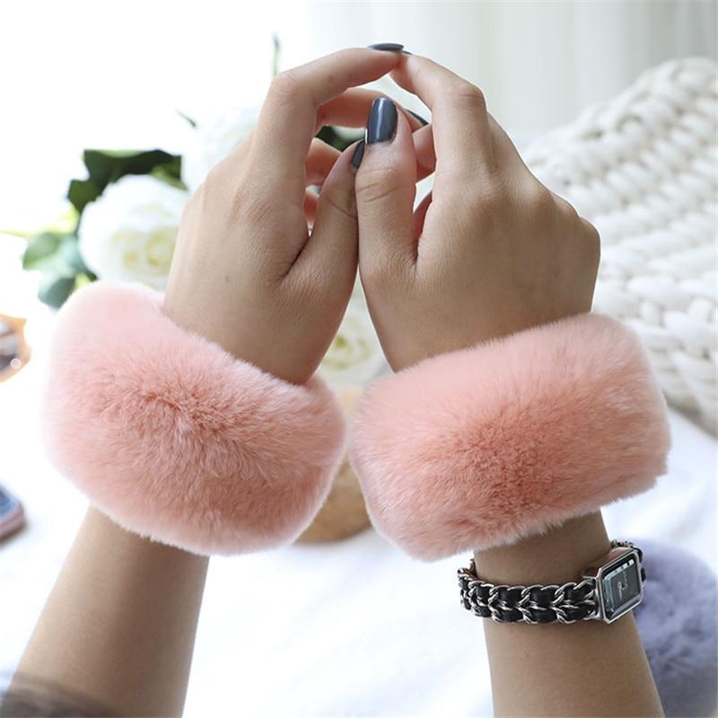 Cuffs For Women Winter Temperament Fashion Scandinavian Designer Folding Real Rabbit Fur Grass Soft Bracelet Jewelry Loop Female