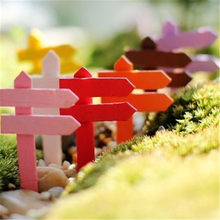 1 PC Mini Miniature Wood Fence Signpost Craft Garden Decor Ornament Plant Pot Micro Landscape Bonsai DIY Dollhouse Fairy(China)