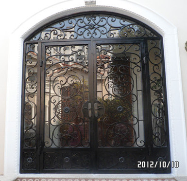 China Hench  Wrought Iron Exterior Entry Double Door With Sidelight