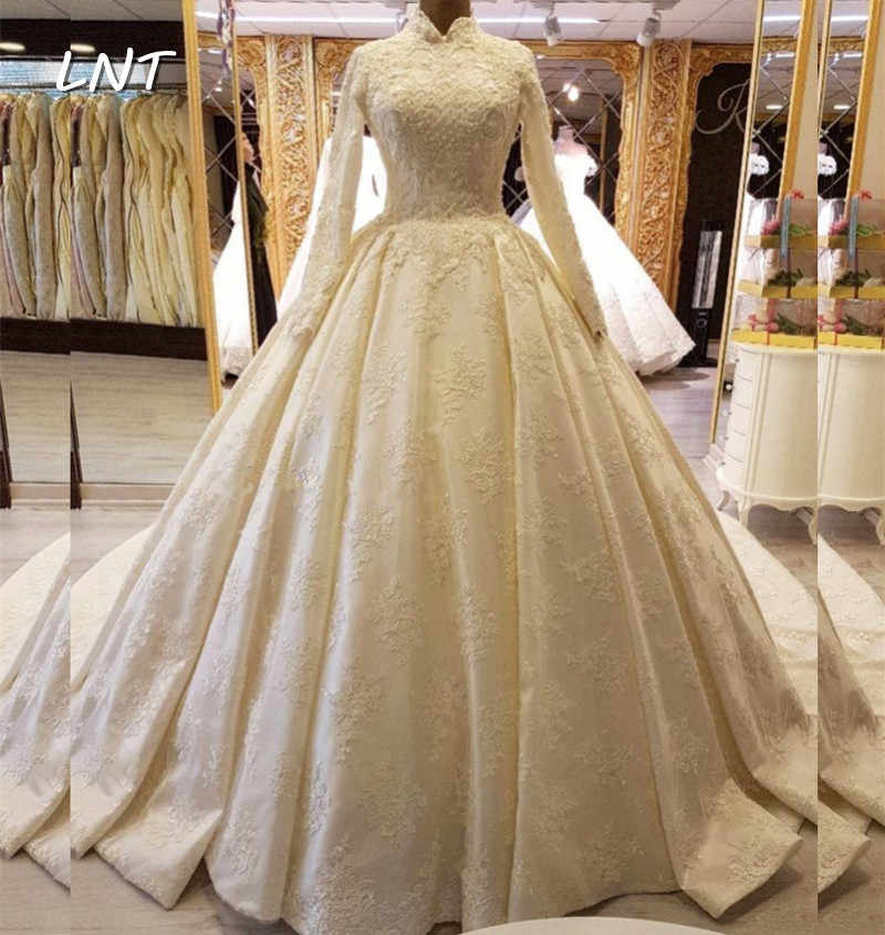 High Neck Ivory Modest Wedding Dresses With Long Sleeves Appliqued