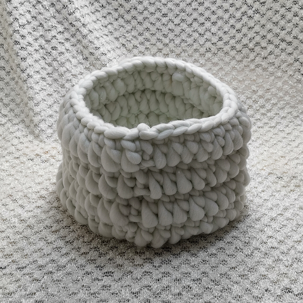 Clearance 150*100cm Knitted Acrylic Thin Fabric Backdrop Blanket  Basket Stuffer +Knitted Basket for Newborn Photography Props