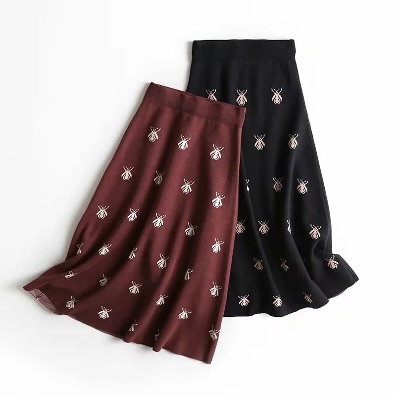 Lsy-2186 Women's Dress New Products Bees Pattern Knitted Skirt