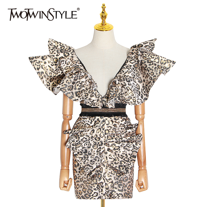 TWOTWINSTYLE Vintage Ruffle Leopard Dress Women V Neck Sleeveless Backless Sexy Bodycon Dresses Female 2020 Spring Fashion Tide