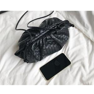 Image 4 - מותג עיצוב ארוג כופתה תיק נשים כתף שקיות 2020 חדש אופנה גבירותיי Crossbody שליח שקיות עור מפוצל תיקי נקבה