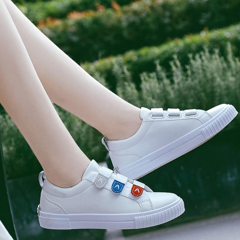 2019 Women Skateboard Shoes Spring Autumn Fashion Magic Paste Casual Woman Canvas Shoes White Wild Trend Woman Sneakers K2-32A