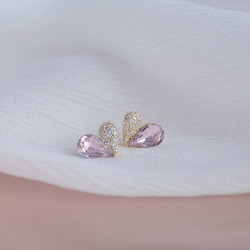 New design fashion jewelry exquisite copper inlaid zircon pink crystal love earrings sweet small student women's daily earrings