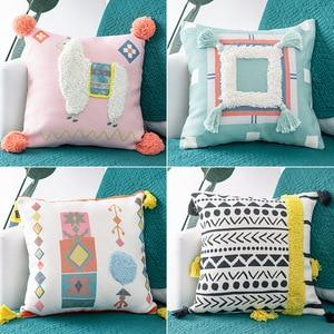 Image 2 - Cojines decorativos para ספה מרוקו גיאומטרי שחור ולבן מצויץ ציצית ציפית חג המולד כרית מקרה