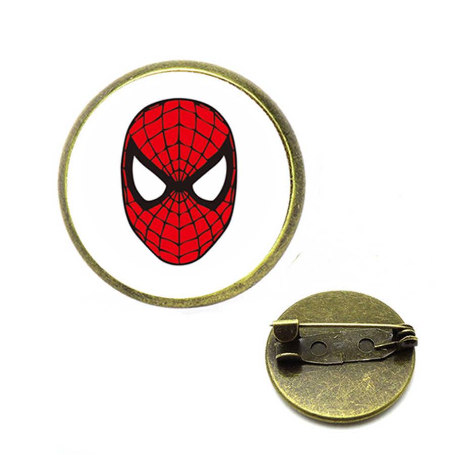 16 Delle Donne di stile Classico Spider-man Insetto Spilli Per L'uomo Scollo A Cuore Frontale Di Vestiti di Halloween del Regalo Dei Monili Pendenti e Ciondoli 2018