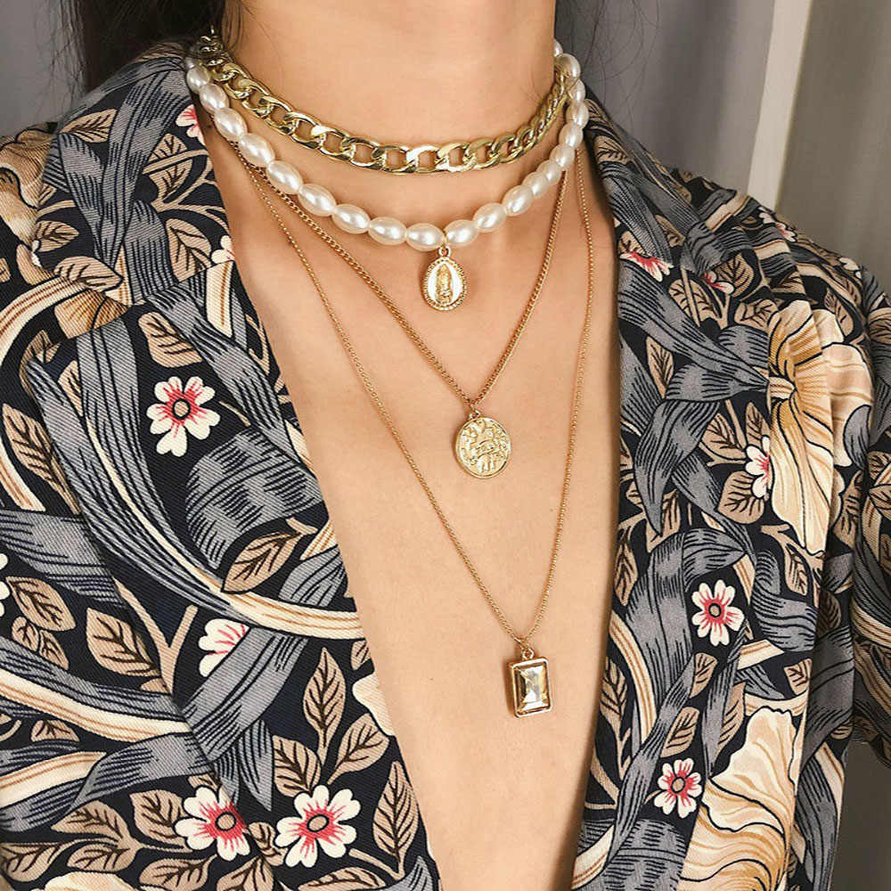 2019 new chain gold multi-layer pearl necklace geometric pendant crystal necklace female models manufacturers wholesale