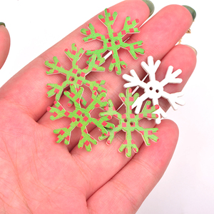 Image 5 - JUNAO 25 35mm Mix Shape Wooden Snowflakes Christmas Decoration for Home Xmas Hanging Ornaments Kids Gifts New Year Decorations