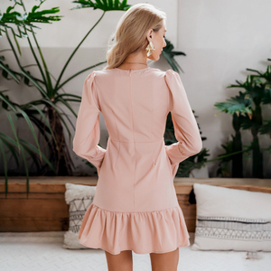 Image 3 - Женское модное белое короткое платье Conmoto с V образным вырезом, Осень зима 2019, Шикарное облегающее мини платье с расклешенным длинным рукавом для вечерние, платья