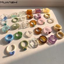 Huanzhi conjunto de anéis redondos geométricos coloridos de acrílico para mulheres, conjunto de anéis redondos geométricos quadrados transparentes de strass para joias femininas e presentes de festa 2021