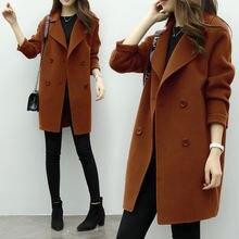 Женское двубортное шерстяное пальто средней длины на осень и