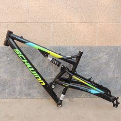 Yeni stok 26er dağ bisiklet iskeleti alaşımlı alüminyum DH tam süspansiyon bisiklet şasisi için V fren ve disk fren çerçeve