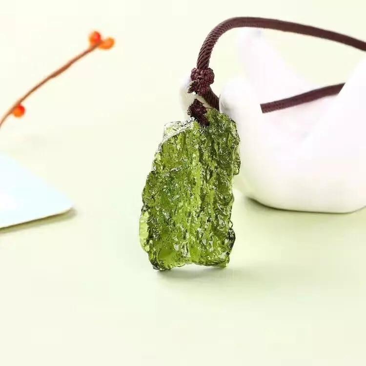 Hot Sale A++ Natural Moldavite green aerolites crystal stone pendant energy apotropaic4g-5g/ lot+ free rope Unique Necklace