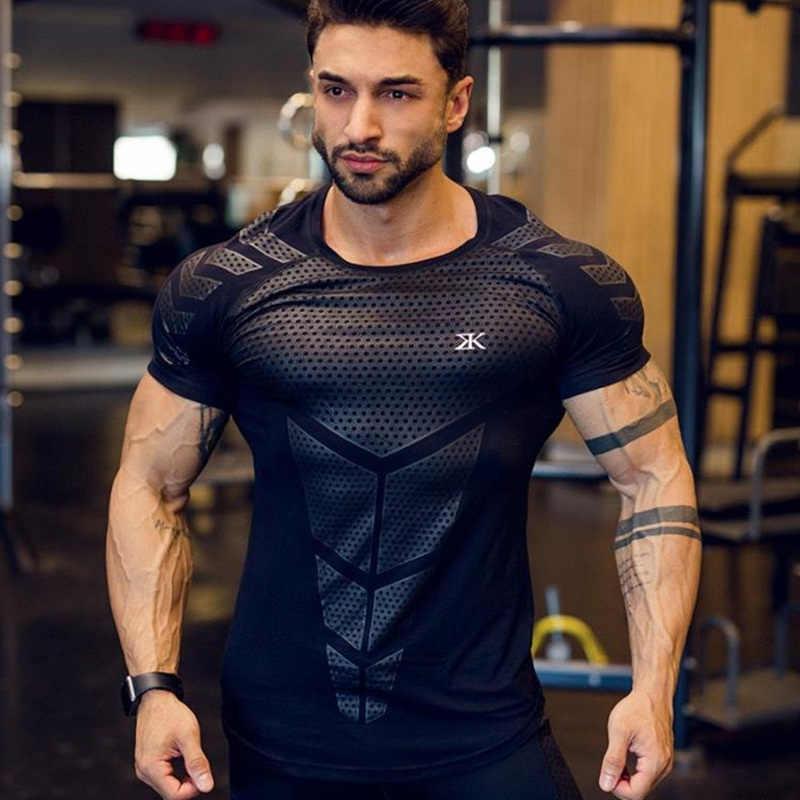 ضغط سريعة الجافة تي شيرت الرجال تشغيل الرياضة نحيل قصيرة تي شيرت الذكور الجمنازيوم اللياقة البدنية كمال الاجسام تجريب الأسود القمم الملابس