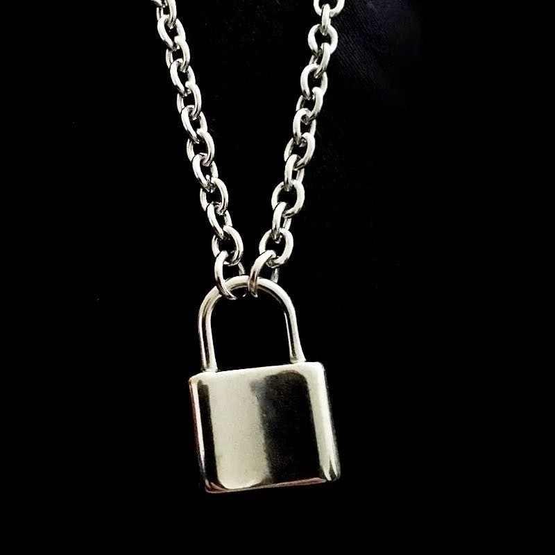2020 روك قفل المختنق قلادة سلسلة طويلة على الرقبة مع قفل مجوهرات بسيطة Mujer مفتاح قفل قلادة قلادة للنساء