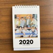 Kpop BANGTAN BOYS Настольный календарь модный K-POP календарь Настольный календарь Корейская версия Творческое Оформление рабочего стола