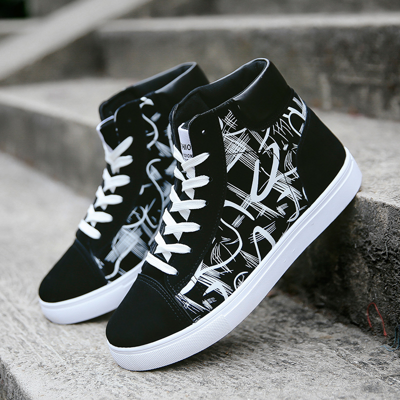 2019 Mens Fashion High-top Skateboard Sneakers Outdoor Breathable Men Casual Sports Shoes Lace Up Graffiti Footwear Ankle Boots