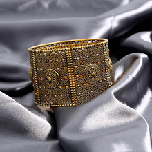 2019 Hot Sale Hollow Wide Cuff Bead Bracelets & Bangles For Women Gold Color Female Bangle Wristband Fashion Jewelry