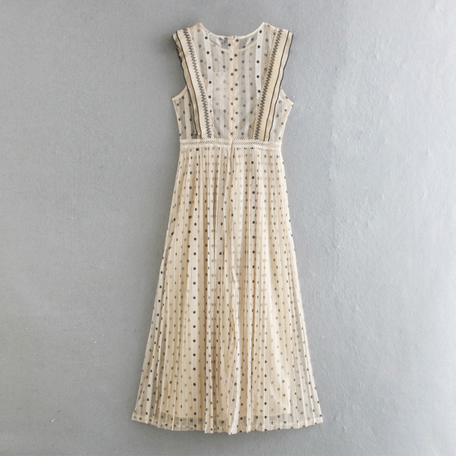 2021Beige color polka dot printed chic style see through women summer sleeveless lace pleated dress Round neck slim fit 2