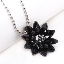 Black Dahlia Necklaces Vintage Flower Crystal Copper Alloy Pendant Necklace with Beads Chain Jewelry