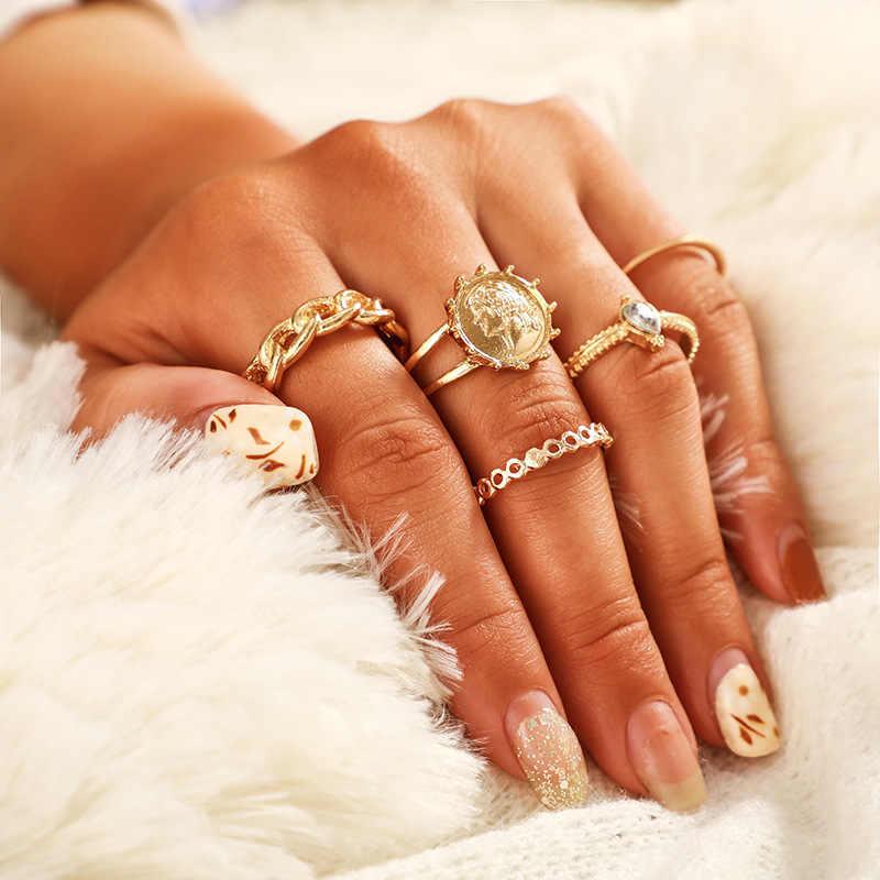 VINTAGE Rhinestone Leaf ดอกไม้ผีเสื้อแหวนสตรีชุดสีทองตัวอักษรงูแหวนชุดยอดนิยม