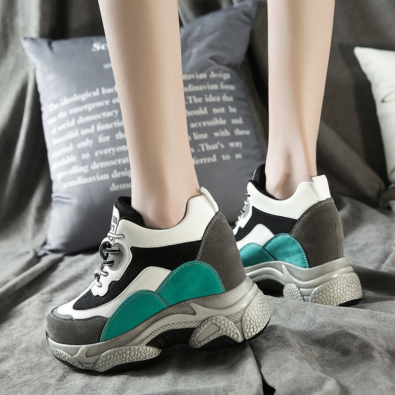 2020 New Winter Women Sneakers Fashion Plush Keep Warm Platform Leisure Women Shoes Breathable Round Toe Thick Bottom Sneakers