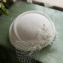 Женская фетровая шляпка «Таблетка» белая из 100% шерсти с вуалью