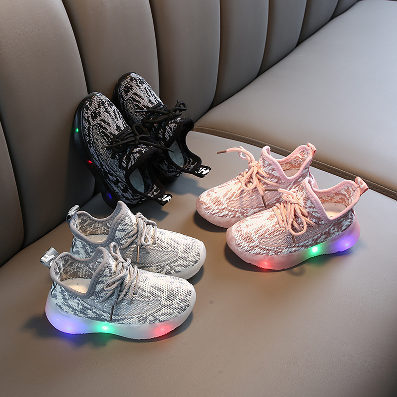 2020 Spring New Children's Sports Shoes Flying Woven Mesh Girls Luminous Baby Shoes Running Shoes