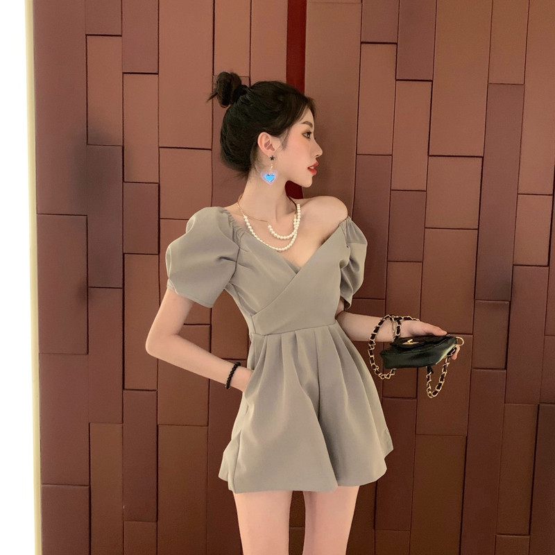 Summer Fashion Women Playsuits 2019 New Sexy V-neck Puff Sleeves Sexy Bodysuits A Line Wide-legs Jumpsuits Solid Color Rompers