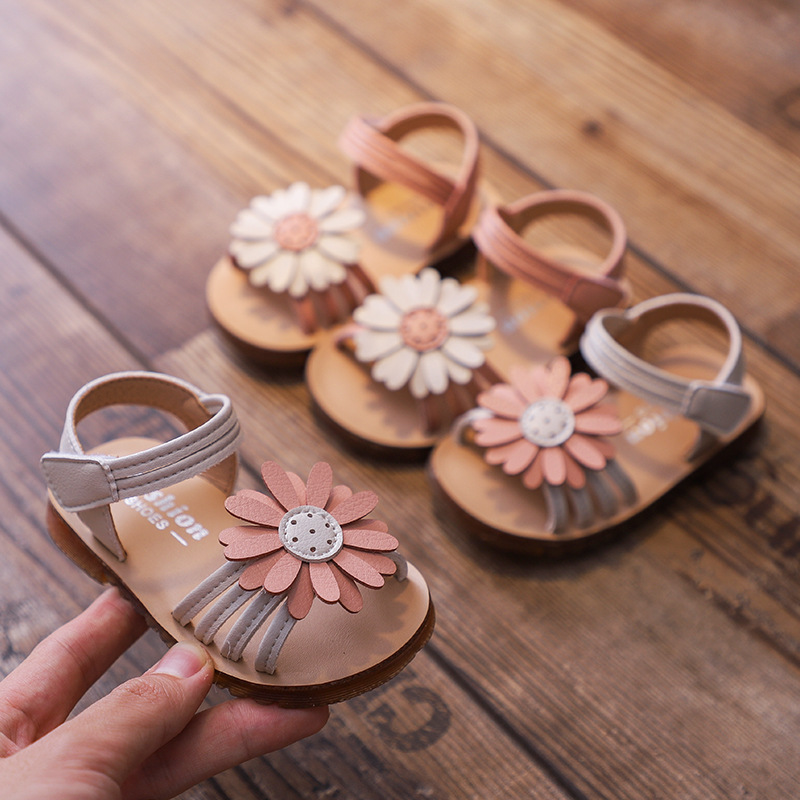 Girls' sandals 2020 summer new sweet sun flower princess shoes baby fashion breathable hollow toddler shoes