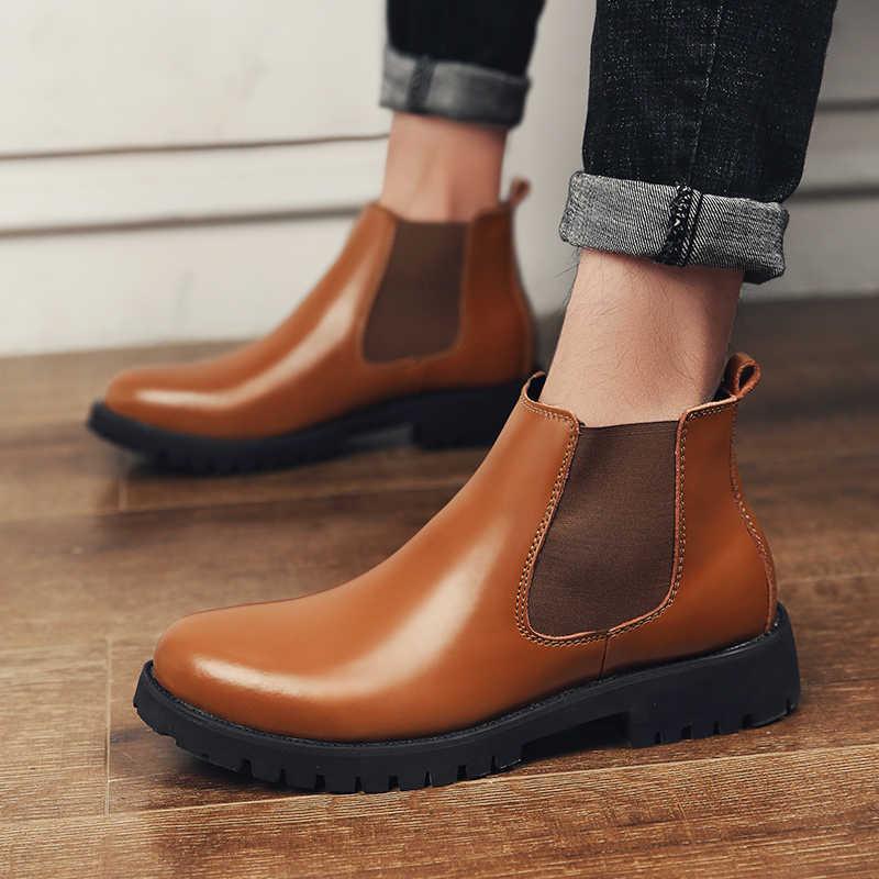 Sonbahar erkek Sığır Derisi Split Deri Chelsea Çizmeler İngiliz Tarzı Kış Sıcak Peluş yarım çizmeler Yüksek Top Brogues rahat ayakkabılar