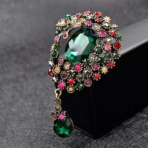 CINDY XIANG Vintage Large Crystal Water-drop Brooches For Women Autumn Fashion Brooch Pin Flower Pattern 4 Colors Available