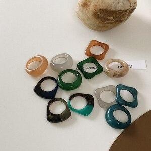 HUANZHI 2020 Новые Ретро Разноцветные квадратные круглые геометрические полые кольца из смолы для женщин и девочек деликатные ювелирные изделия подарки