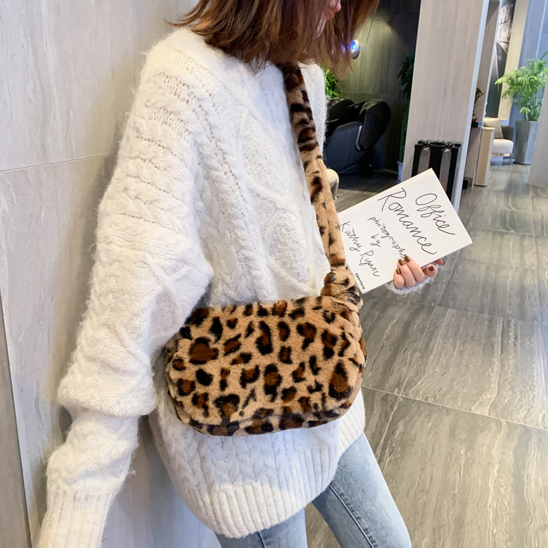 Faux Fur Crossbody Bags For Women 2019 Winter Leopard Messenger Bag Female Trendy Plush Shoulder Bag Winter Purse Bolsa Feminina