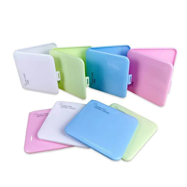 KN95 Mask Case N95 Mask Storage Box Container Resin Buckle Design Portable Foldable Disposable Mask Boxes Safe Cleaning Outdoor 2