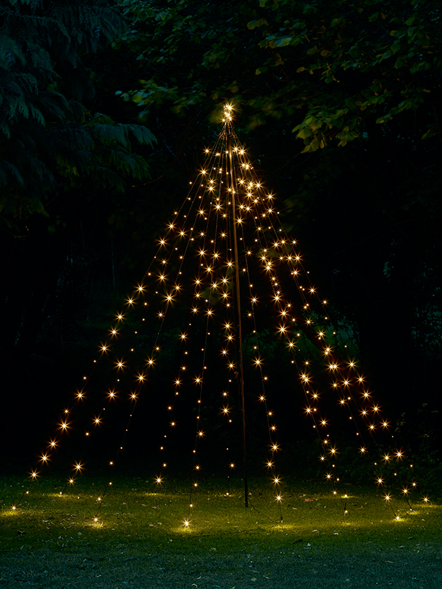 outdoor-light-up-tree-tower-by-Cox-Cox