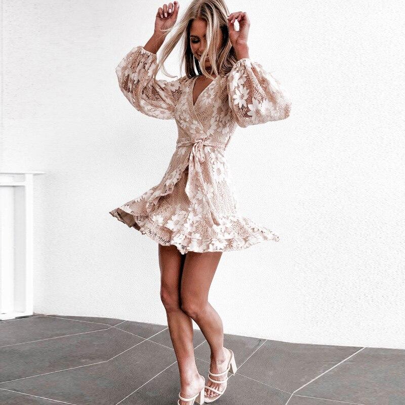 Nouvelle arrivée Champagne retour robes dentelle manches longues une ligne courte Mini Graduation mode robe de soirée robe Junior en Stock