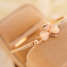 Korean Delicate Bow Heart Heart Love Bracelet Korean Version of Clover Bracelet Cat's Eye Full Diamond Bracelet Bracelets Women все цены